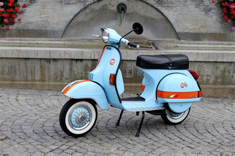 Gulf Racing Vespa (With images)   Vespa motor scooters
