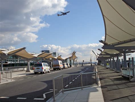 Heathrow T5 - coach drop off   A great new location for up