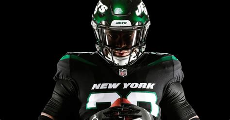 New York Jets Officially Unveil New Uniforms & Helmets (PICS)