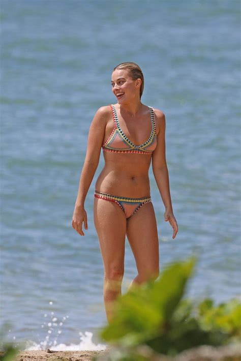 Margot Robbie Topless & Sexy (16 Photos)   #TheFappening