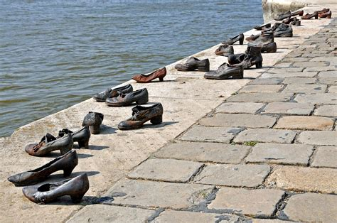 Hungary-0043 - Shoes on the Danube | PLEASE, no multi