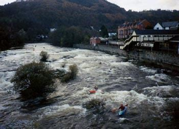River Dee - Town Falls | Photos | North | Wales | Rivers